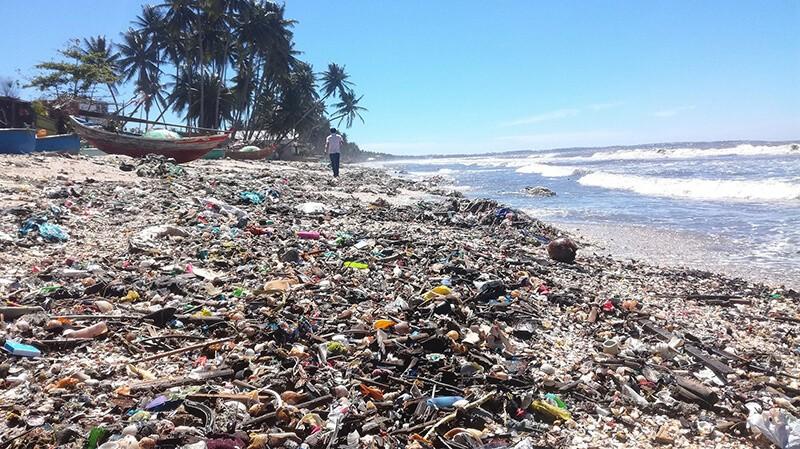 Ô nhiễm môi trường nước -Các bãi biển rác kéo dài trên bản đồ chữ S